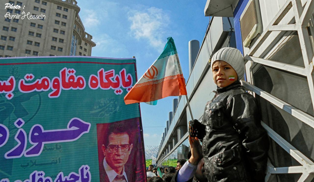 راهپیمایی کودکان در 22 بهمن