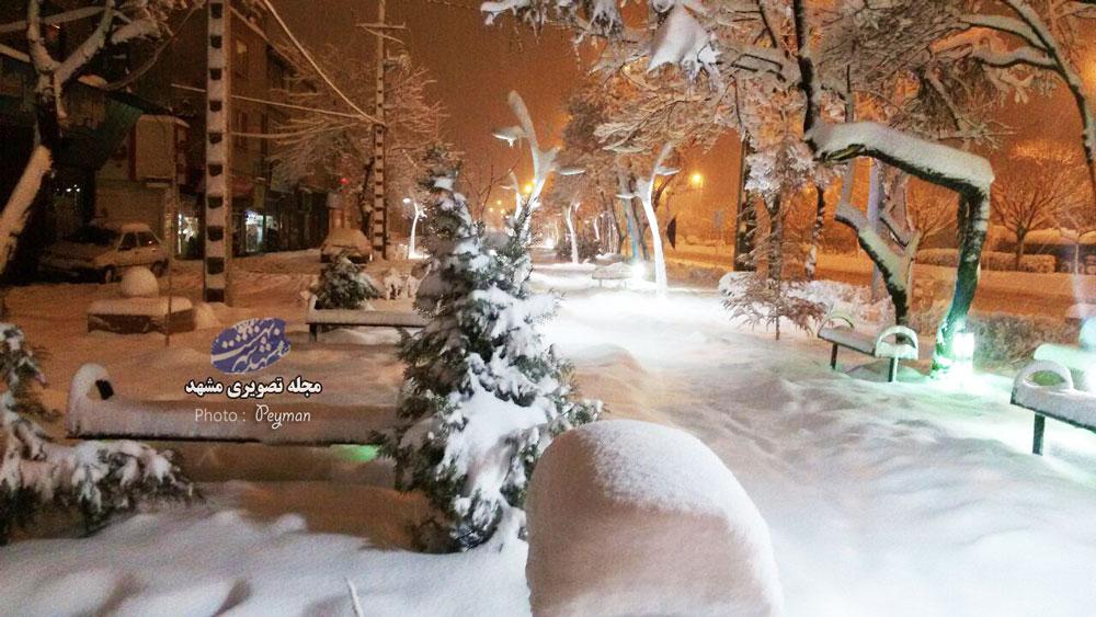 بوران برف در محله راه اهن مشهد